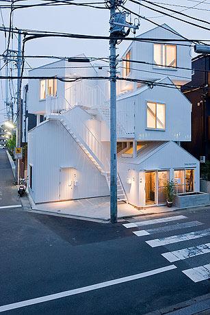 Tokyo-Apt-Fujimoto-藤本壮介の手がけた東京アパートメント17