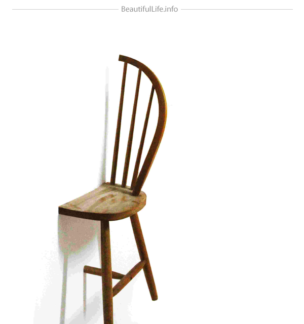 椅子を半分にして逆さまにしたハンガー1/2=1(Half = One)3