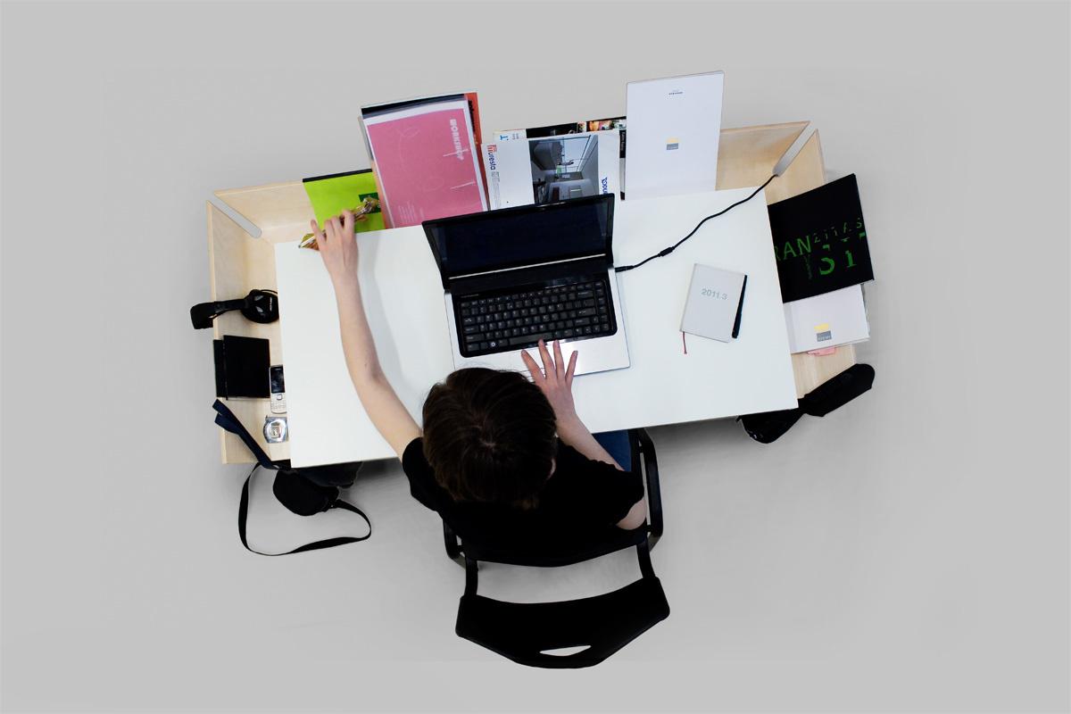 あなたの使い方次第で使い方が無限大に広がる、作業効率をアップさせる今までにないデスク「MY WRITING DESK」5