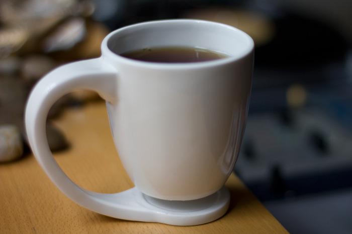 カップの部分が浮いているマグカップ4
