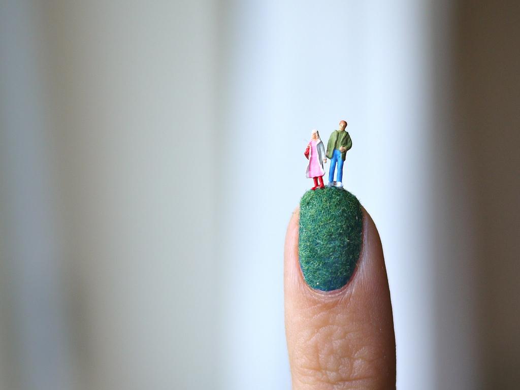 爪の上のネイルアートストーリー6