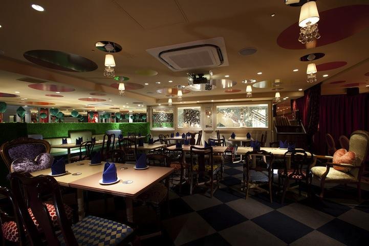 アリスインワンダーランド(不思議の国のアリス)の世界のレストラン6