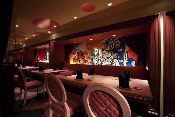 アリスインワンダーランド(不思議の国のアリス)の世界のレストラン3