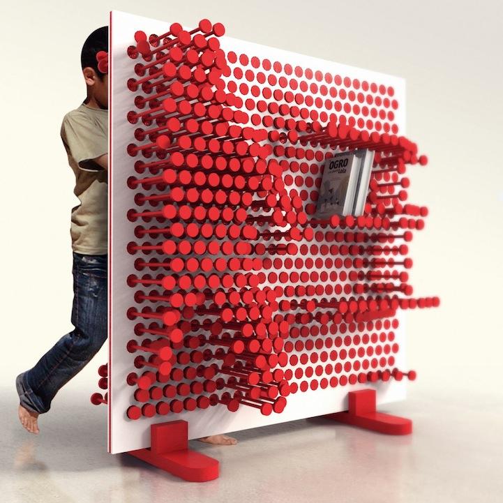 ピンを押し込むことで自由な形の棚をつくることが出来る棚「PINPRES」2