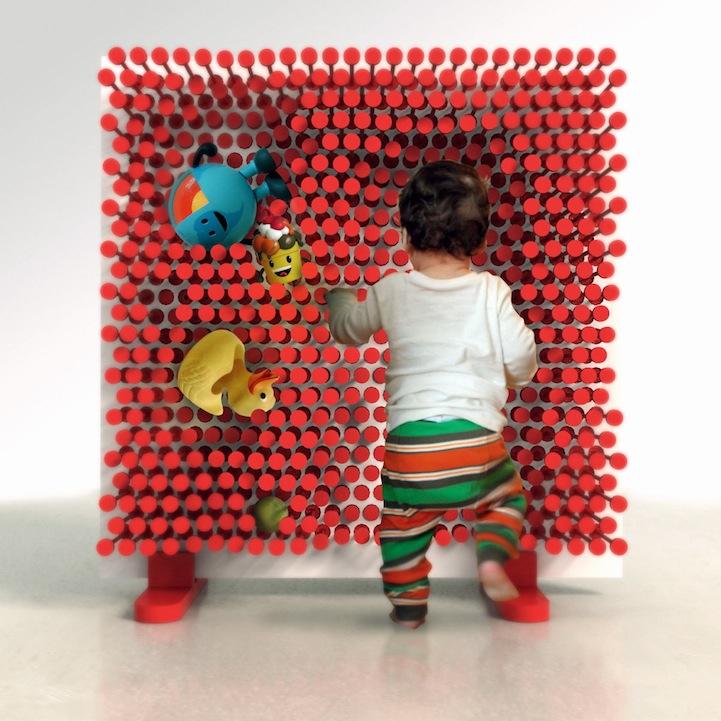 ピンを押し込むことで自由な形の棚をつくることが出来る棚「PINPRES」3