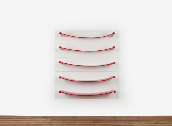 Rubber-Shelves-Luke-Hart-The-Sculpture-House2-718x525