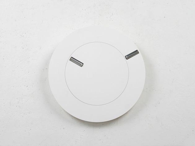 電池で秒針と分針をあらわす不思議な時計「Front & Back」