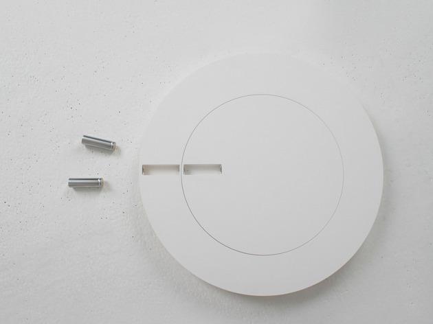 電池で秒針と分針をあらわす不思議な時計「Front & Back」6