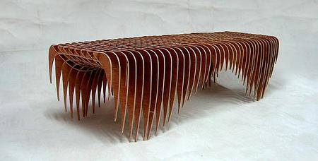 クールでスタイリッシュなデザインのベンチ8