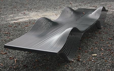 クールでスタイリッシュなデザインのベンチ10