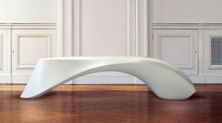 クールでスタイリッシュなデザインのベンチ9
