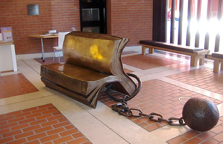 15 Creative and Unique Benches4