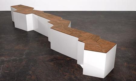 クールでスタイリッシュなデザインのベンチ3