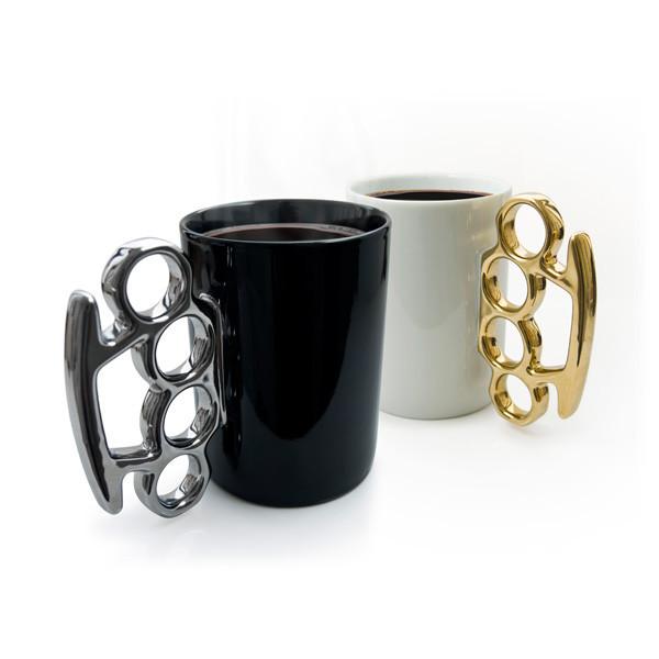 メリケンサックのマグカップ「mug!」