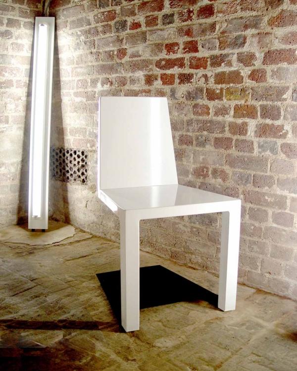一瞬どうなっているのか目を疑ってしまう椅子「 Shadow Chair」4