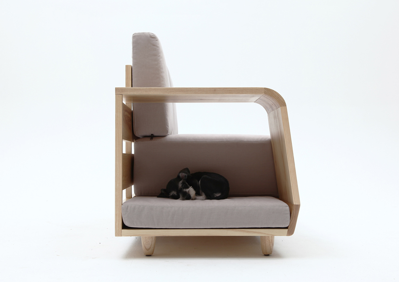 the dog house sofa8