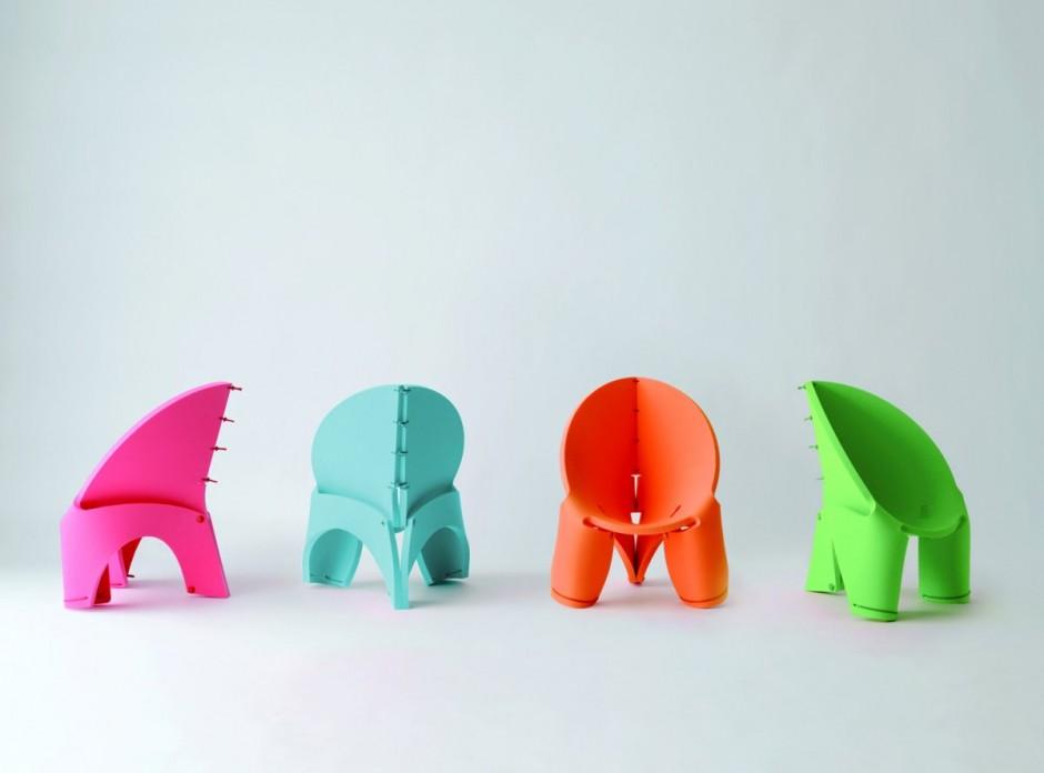 平面上の一枚の板を丸めてヒモで留めるだけで生まれるクリエイティブな椅子「EVA Chair For Kids」6