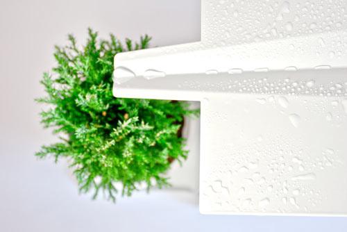 屋根をつたって水が入る植木鉢置き台がついている郵便受け「GREEN MAILBOX」7