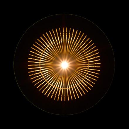 一本の竹でつくられた、竹取の翁を連想させる家具 KAGUA カグア(LED照明器具)3