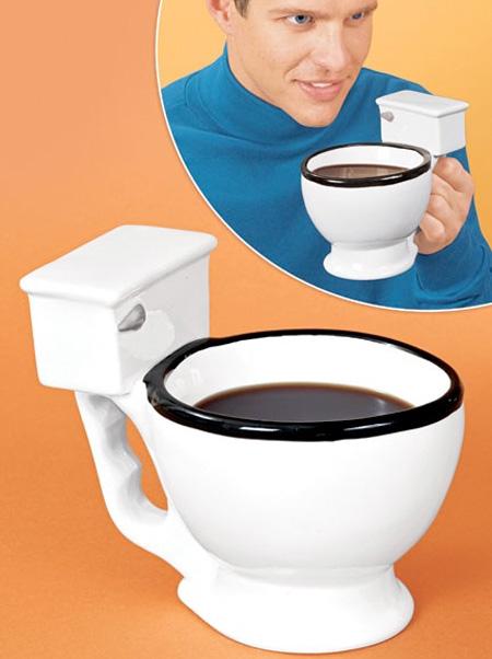 変なマグカップ。9