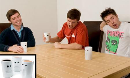 変なマグカップ。4