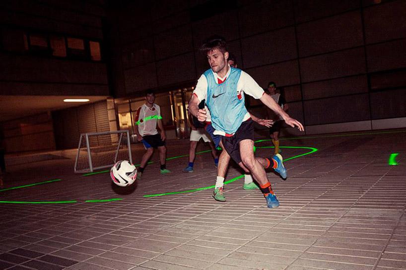 nike-laser-soccer-field-designboom03