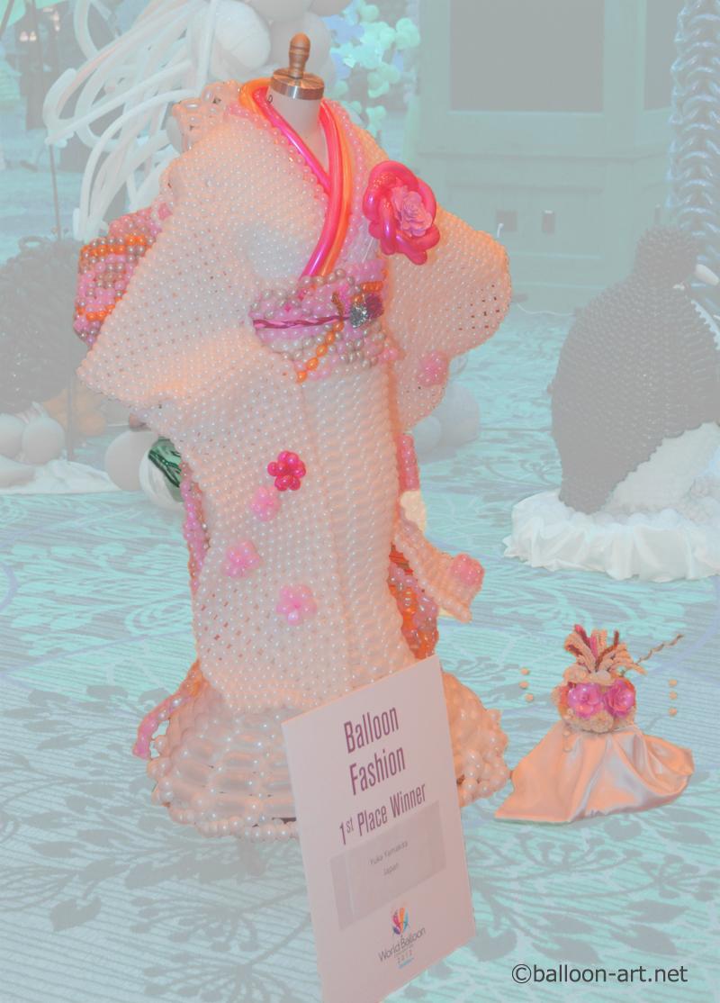 2年に1度開催されるバルーンアートの世界大会で優勝した着物の繊細な質感を見事に表現した着物のバルーンドレス3