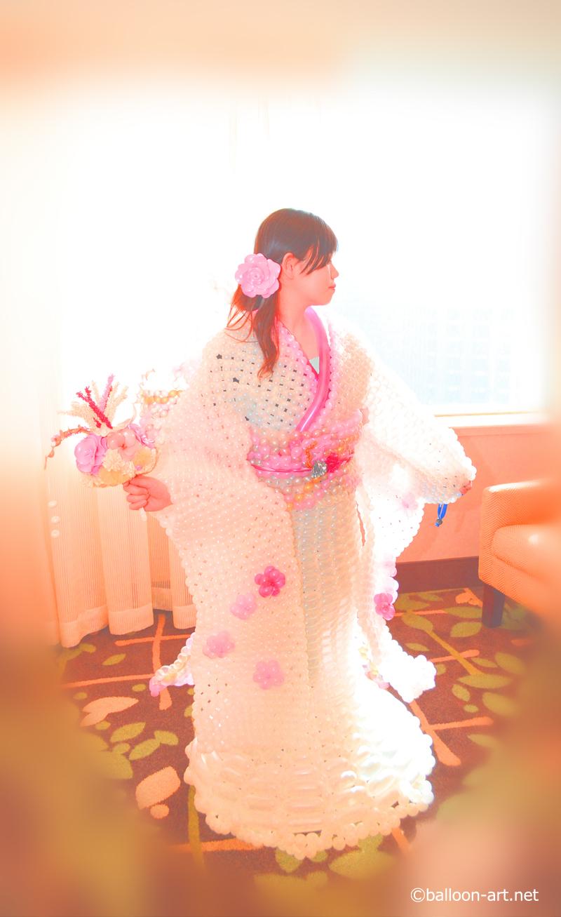 2年に1度開催されるバルーンアートの世界大会で優勝した着物の繊細な質感を見事に表現した着物のバルーンドレス6