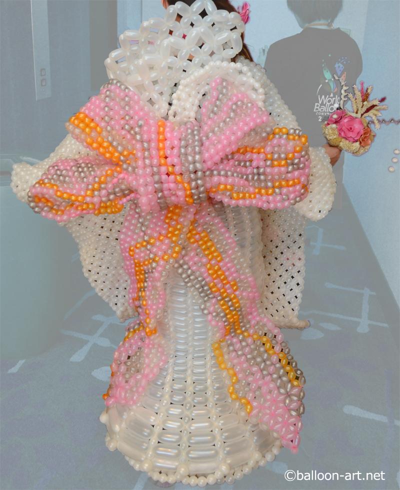 2年に1度開催されるバルーンアートの世界大会で優勝した着物の繊細な質感を見事に表現した着物のバルーンドレス
