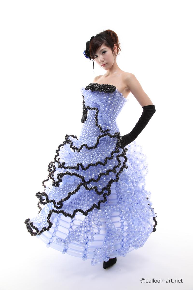 2年に1度開催されるバルーンアートの世界大会で優勝した着物の繊細な質感を見事に表現した着物のバルーンドレス16