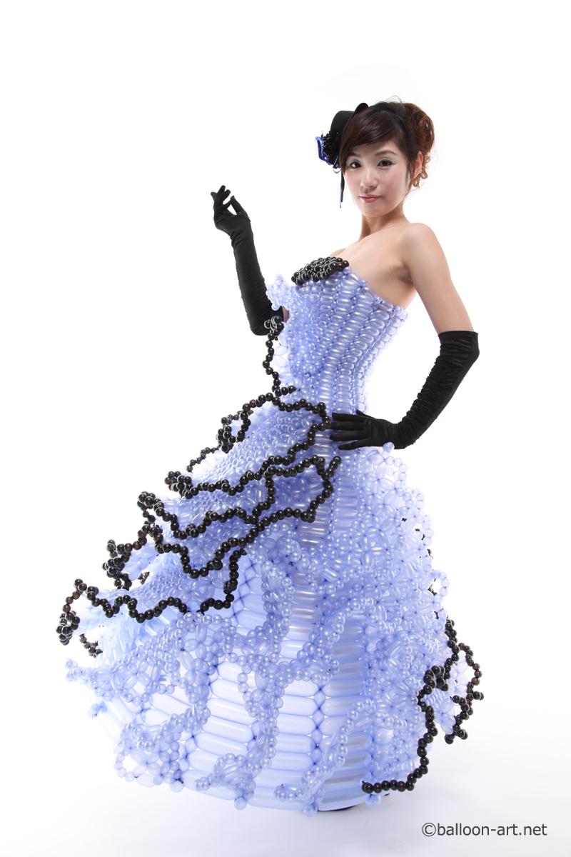2年に1度開催されるバルーンアートの世界大会で優勝した着物の繊細な質感を見事に表現した着物のバルーンドレス17