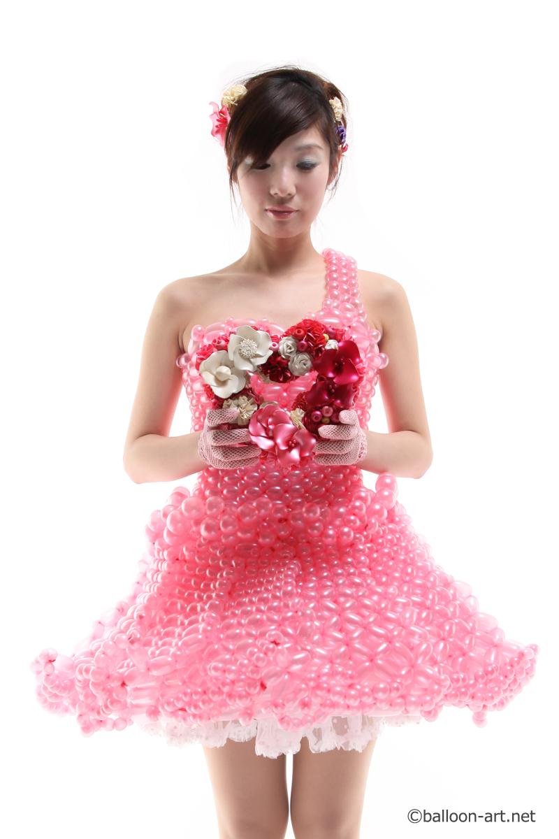 2年に1度開催されるバルーンアートの世界大会で優勝した着物の繊細な質感を見事に表現した着物のバルーンドレス22