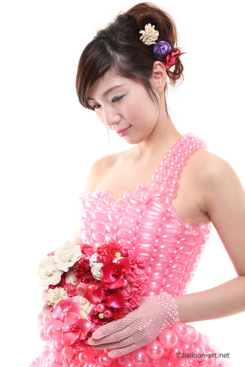 2年に1度開催されるバルーンアートの世界大会で優勝した着物の繊細な質感を見事に表現した着物のバルーンドレス19