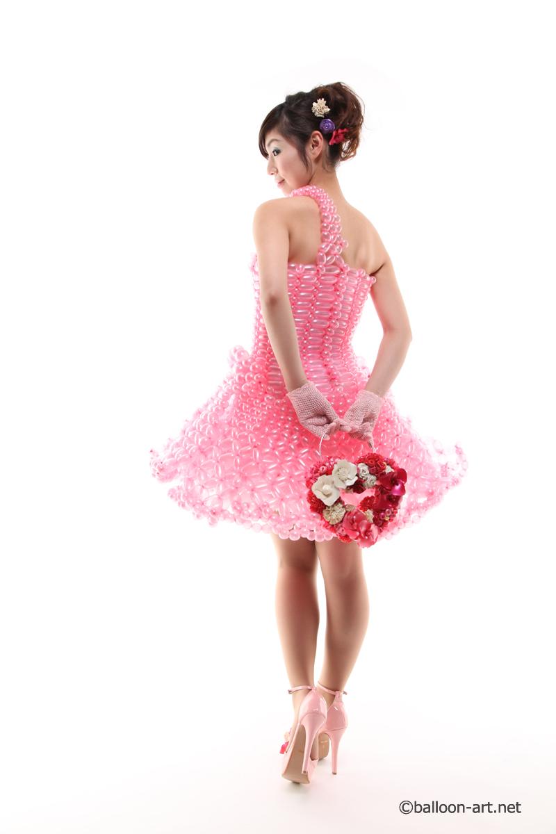 2年に1度開催されるバルーンアートの世界大会で優勝した着物の繊細な質感を見事に表現した着物のバルーンドレス21
