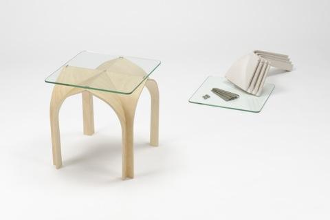 ゴシック様式の建築構造から発想を得て生まれたローテーブルCATHEDRAL4