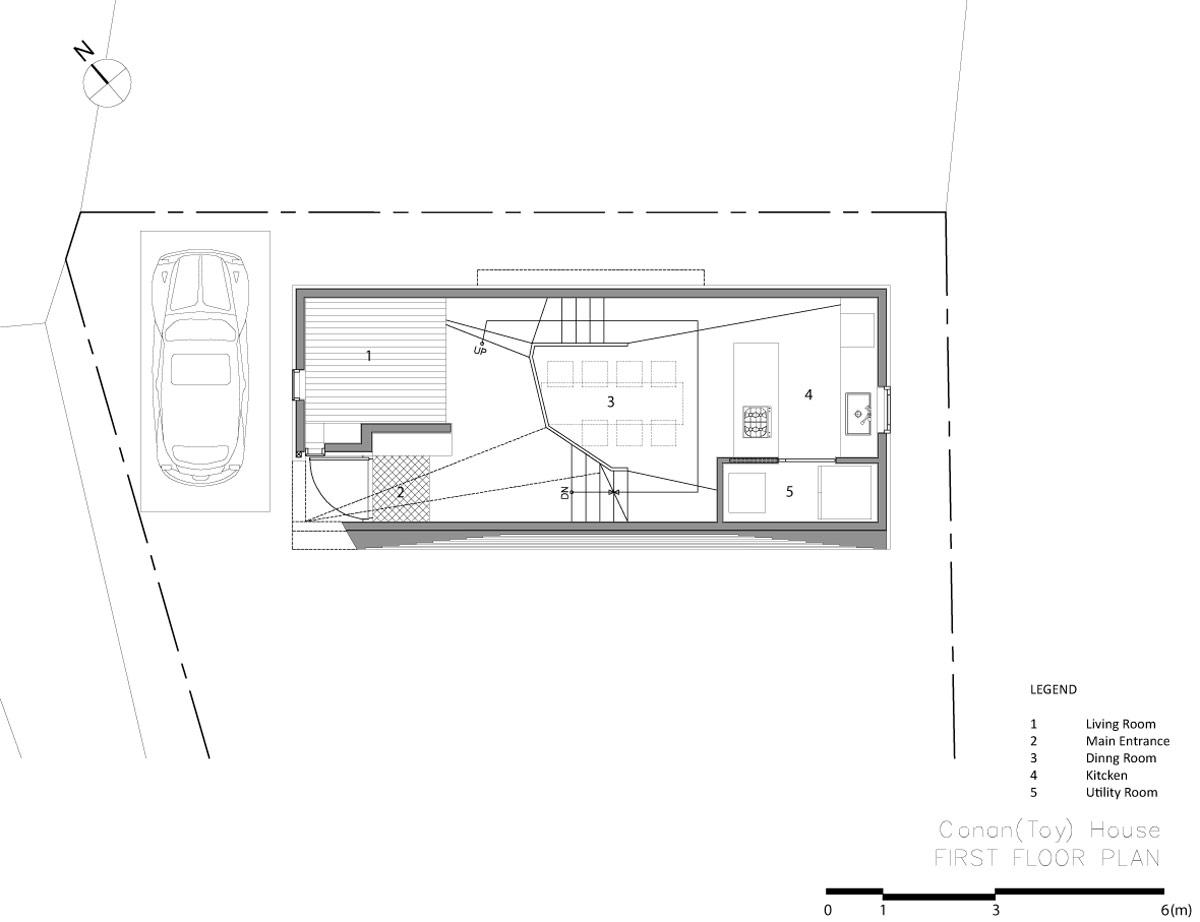家の中に滑り台など遊び場がある家16