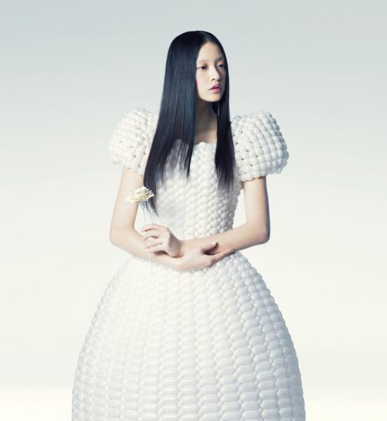 バルーンアーティスト細貝理恵によるバルーンドレス。風船やLEGOなどを使った新作ファッション8