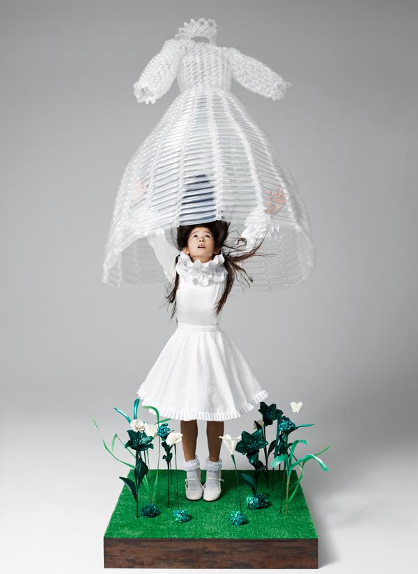 バルーンアーティスト細貝理恵によるバルーンドレス。風船やLEGOなどを使った新作ファッション11