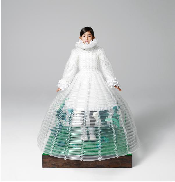 バルーンアーティスト細貝理恵によるバルーンドレス。風船やLEGOなどを使った新作ファッション10