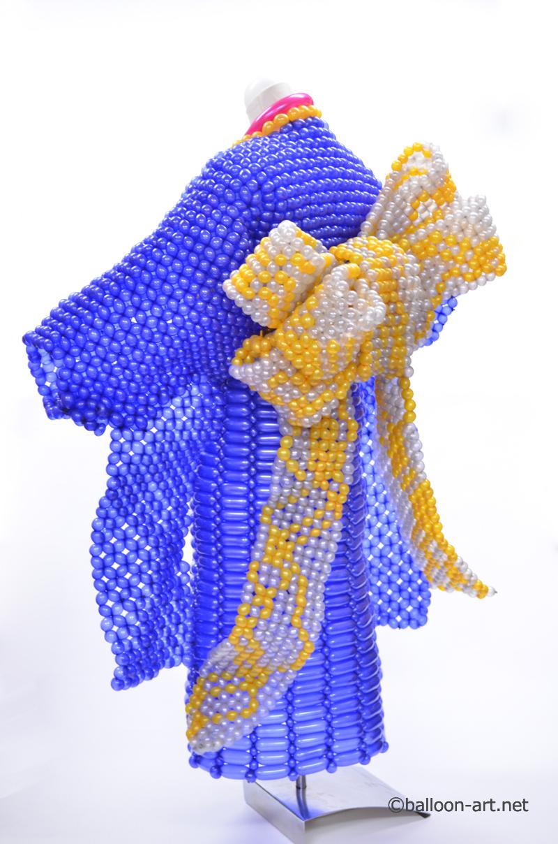 2年に1度開催されるバルーンアートの世界大会で優勝した着物の繊細な質感を見事に表現した着物のバルーンドレス9