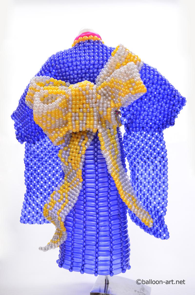 2年に1度開催されるバルーンアートの世界大会で優勝した着物の繊細な質感を見事に表現した着物のバルーンドレス12