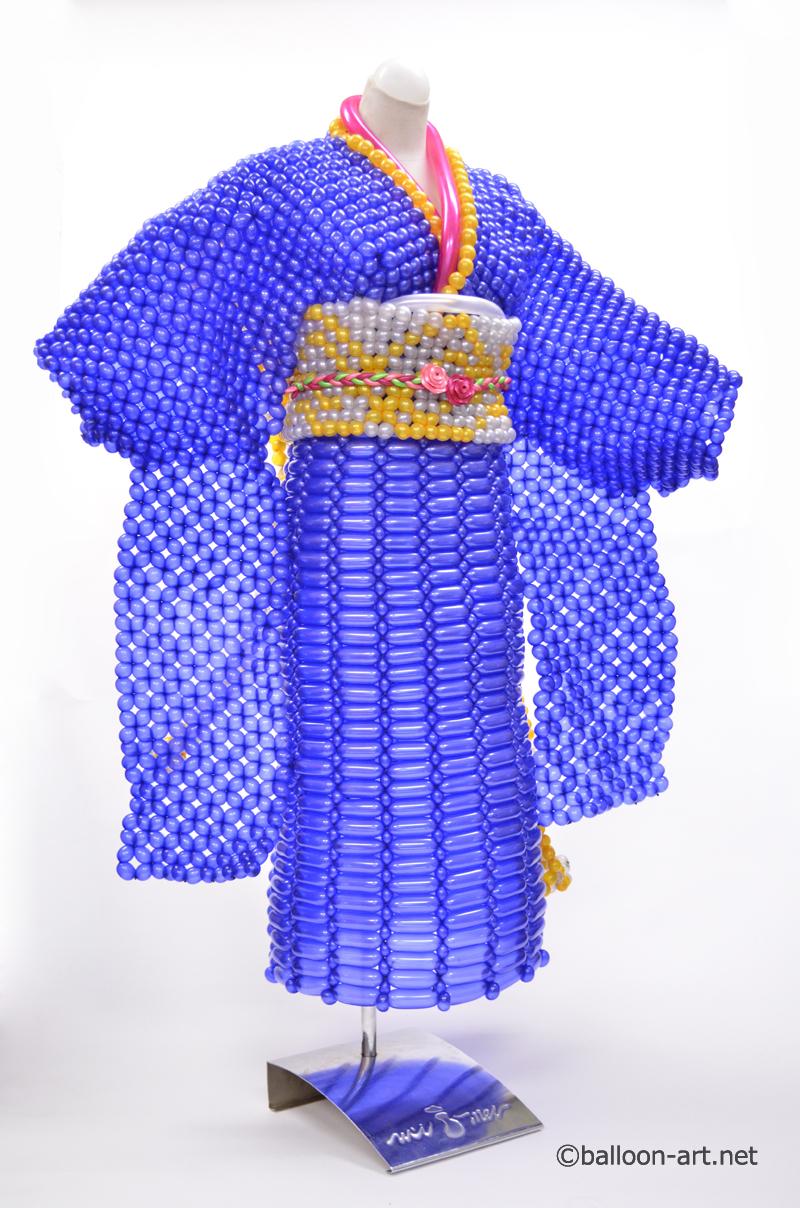 2年に1度開催されるバルーンアートの世界大会で優勝した着物の繊細な質感を見事に表現した着物のバルーンドレス13