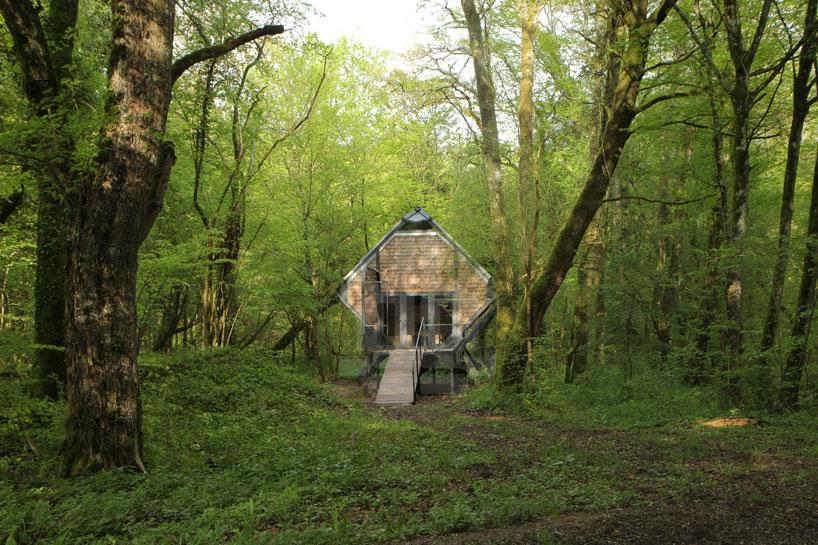 森の中の隠れ家9