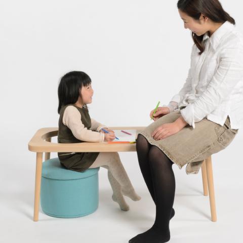 子どもの成長に合わせて使い方を少しずつ変えながら、ずっと使い続けることができる親子のためのベンチ「steps」3