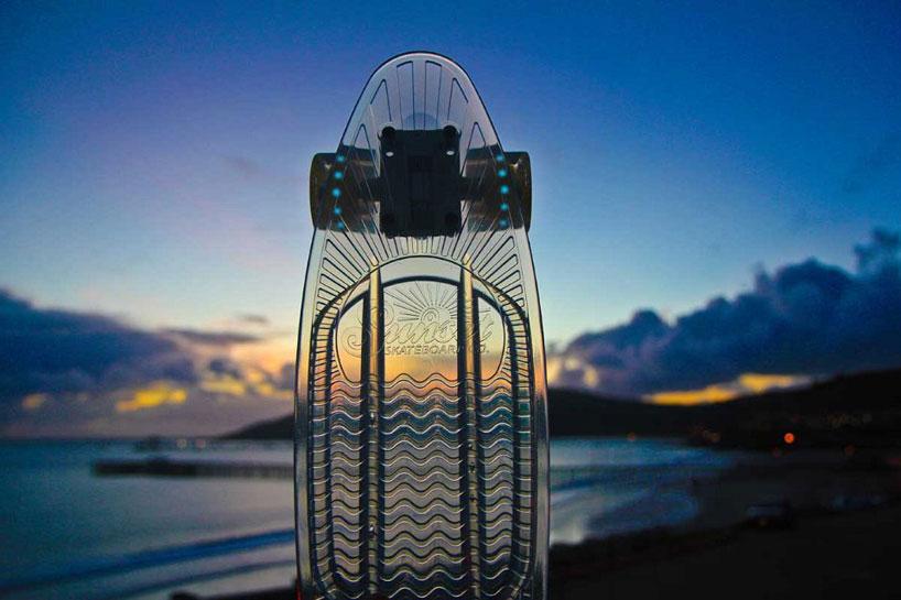 車輪がLEDで光る美しいスケートボード6