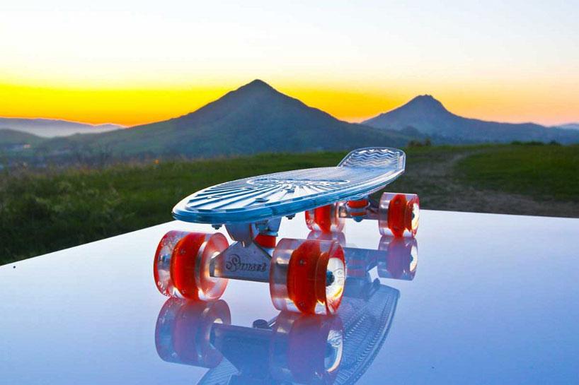車輪がLEDで光る美しいスケートボード4