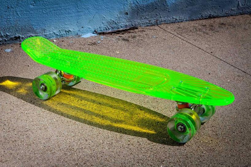 車輪がLEDで光る美しいスケートボード5