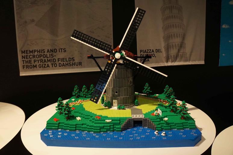 レゴブロックで出来たキンデルダイク‐エルスハウトの風車群