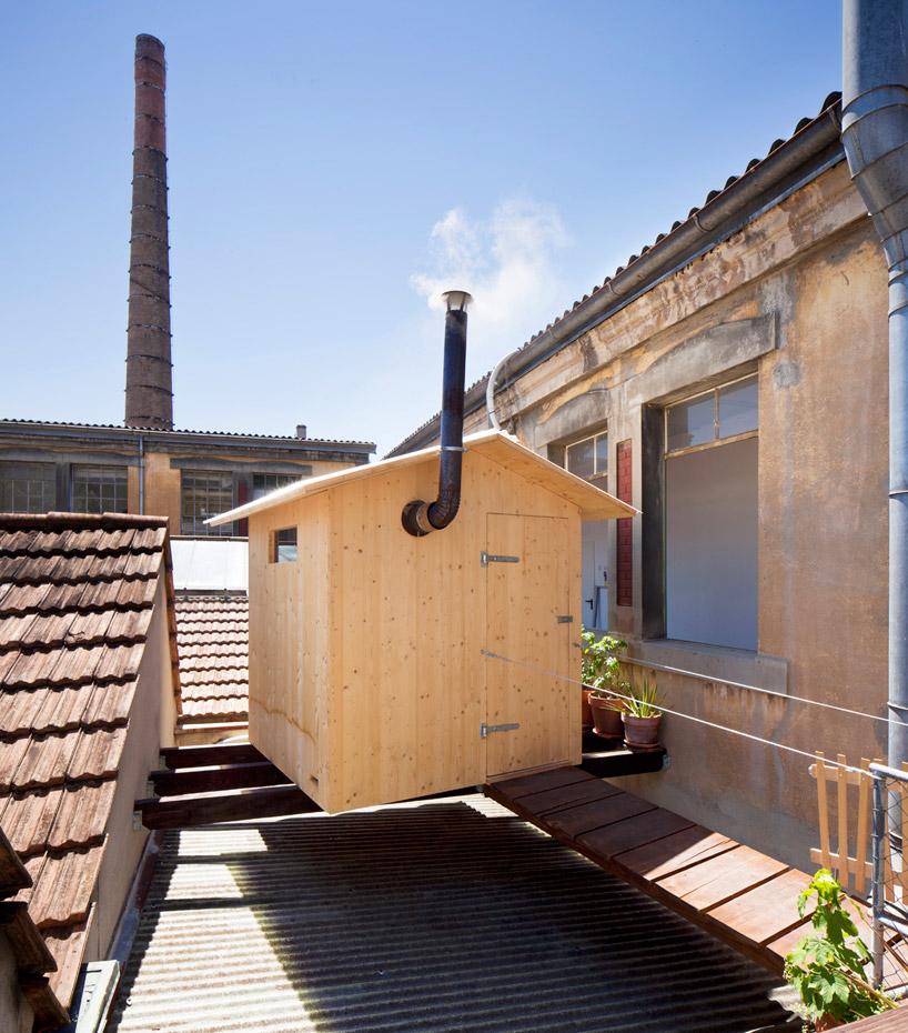 BUREAU Aとスイス人アーティストjérémie gindreが手がけたスイスのジェノバにある屋根の上のサウナ「rooftop sauna」1
