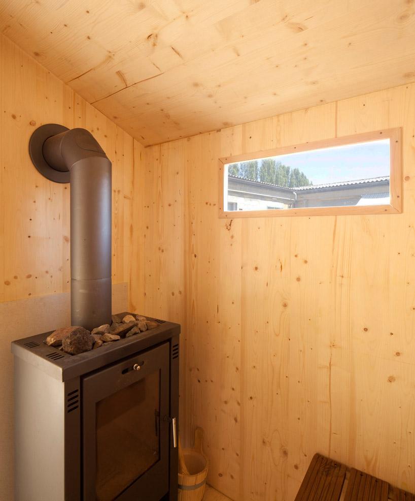 BUREAU Aとスイス人アーティストjérémie gindreが手がけたスイスのジェノバにある屋根の上のサウナ「rooftop sauna」6